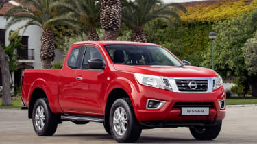 Nissan Navara King Cab - front static