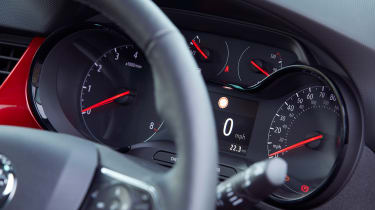 Vauxhall Crossland - dials