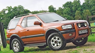 Top 10 worst cars - Vauxhall Frontera front quarter