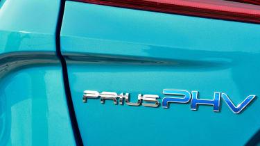 Toyota Prius Plug-In 2017 - badge