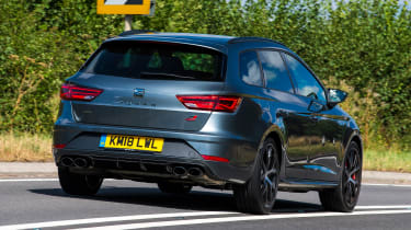 SEAT Leon ST Cupra 300 Carbon Edition - rear