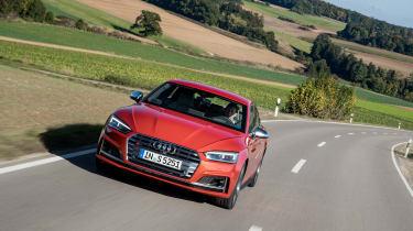 Audi S5 Sportback - front panning
