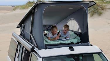 Volkswagen California T6.1 - hood