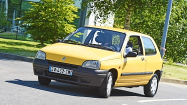 Renault Clio Mk1 - action