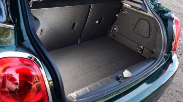MINI Cooper 5dr boot space