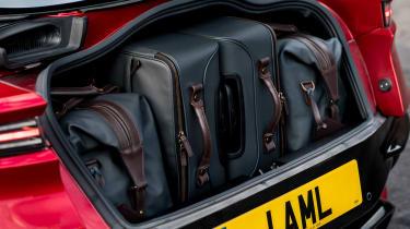 Aston Martin DBS Superleggera - boot