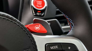 BMW X4 M Competition - paddle shifters