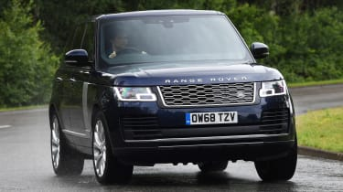 Range Rover - front action