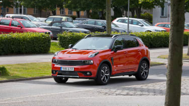 Lynk & Co 01 - front drive