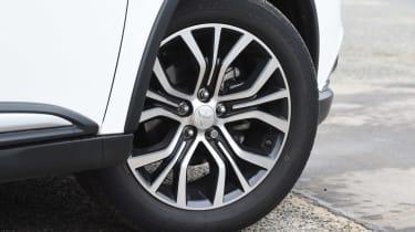 Mitsubishi Outlander - wheel detail