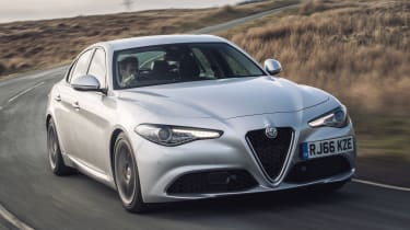 Alfa Romeo Giulia Super petrol 2017 - front cornering