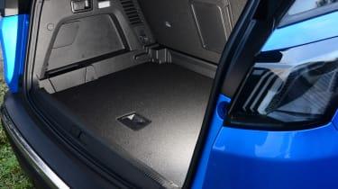 New Peugeot 3008 facelift 2020 boot