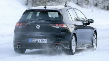 Volkswagen Golf GTI 2020 - spies - rear tracking
