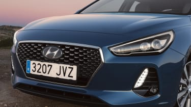 Hyundai i30 2017 - blue front detail