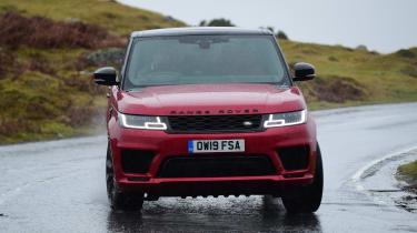 Range Rover HST - front cornering