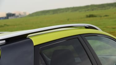 Kia Stonic - roof bars