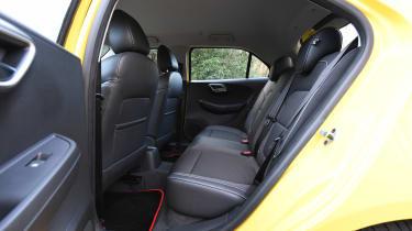 MG3 - rear seats