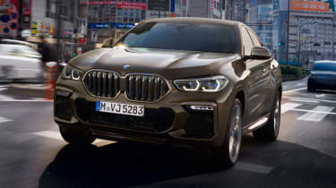 BMW X6 - full front action