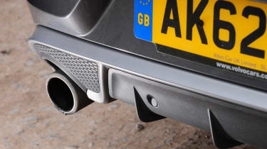 Volvo V40 T3 R-Design exhaust