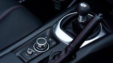 Mazda MX-5 RF - gear lever