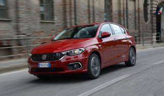 Fiat Tipo hatch 2016 - front tracking 2