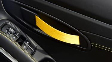 Porsche 718 Cayman T - door handle