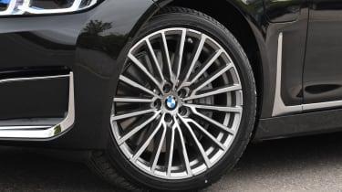 BMW 745Le xDrive - wheel