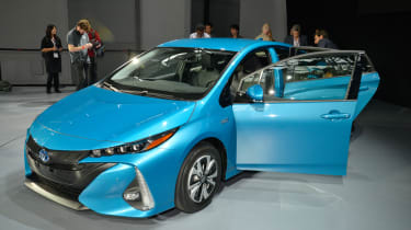 Toyota Prius Plug-in 2016 NY show front quarter