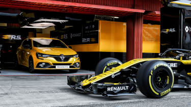 Renault Megane RS Trophy - F1 car