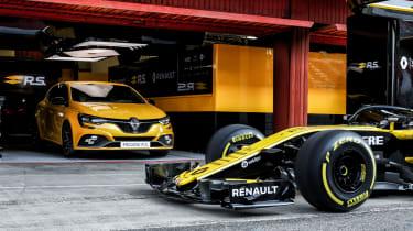 Renault Megane RS Trophy - F1 car