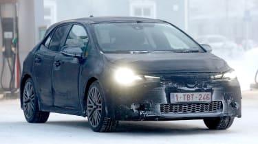 Toyota Auris spy shot snow front 2018