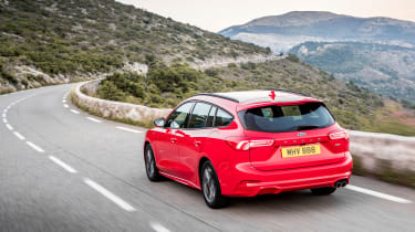 Ford Focus Estate - rear tracking