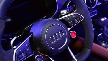 Audi TT RS 2016 - steering wheel