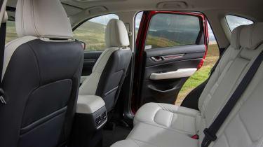 Mazda CX-5 2.2d Sport Nav - rear seats