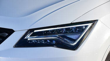 Cupra Ateca - front lights