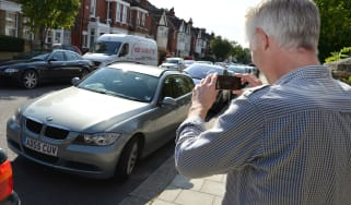 How to photograph your car for sale - header