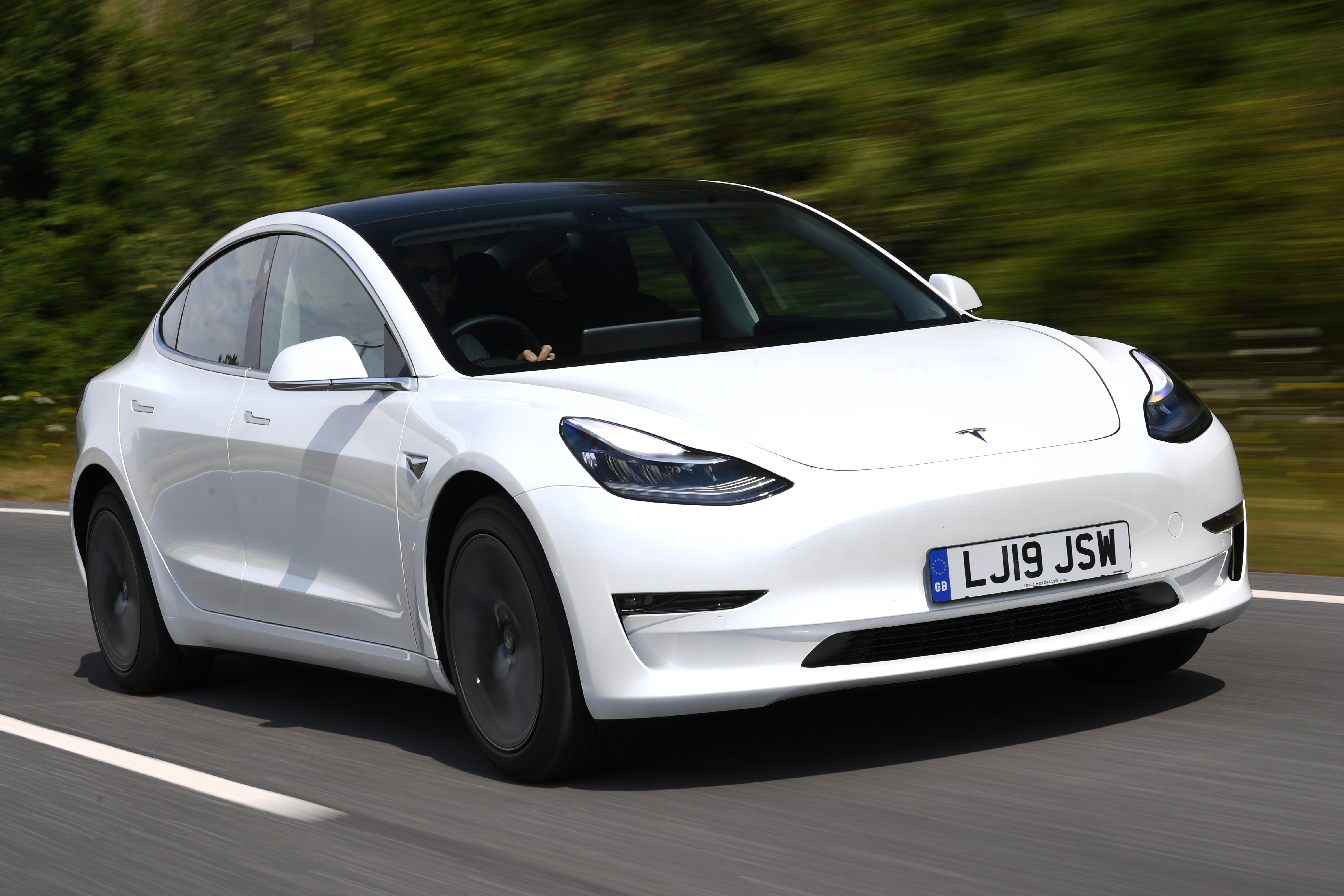 New Tesla Model 3 Standard Range Plus 2019 review | Auto ...