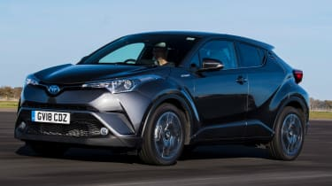 Toyota C-HR - front tracking