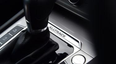 Volkswagen Passat Alltrack - gearstick