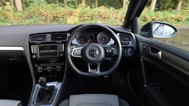 Volkswagen Golf R-Line 2016 - interior