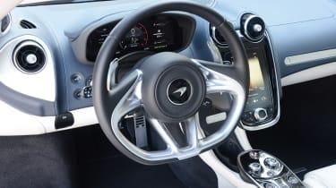 McLaren GT - steering wheel