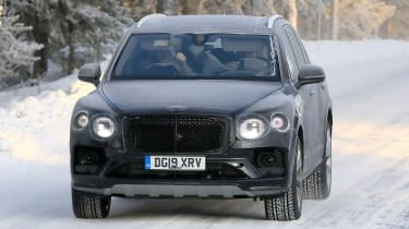 Bentley Bentayga - spies - front tracking
