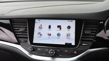 Vauxhall Astra - infotainment