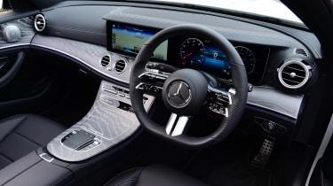Mercedes E 300 e - cabin