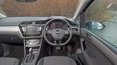 VW Touran 2.0 TDI DSG - dash