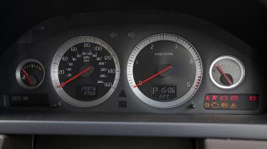 Used Volvo XC90 - dials