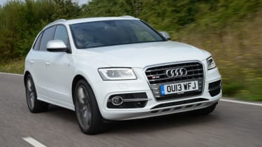 Audi SQ5 front tracking