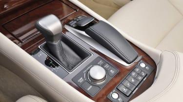 Lexus LS 600h gearbox detail