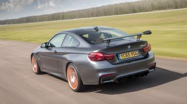 BMW M4 GTS UK 2016 - rear tracking