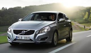 Volvo V60 Plug-in Hybrid front tracking